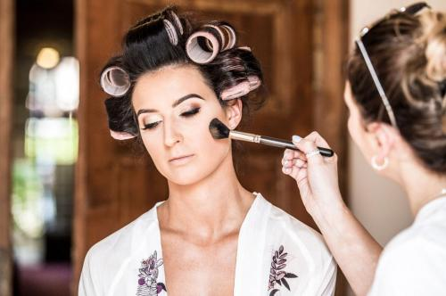 53 lake-como-wedding-planners-make-up-hair-style