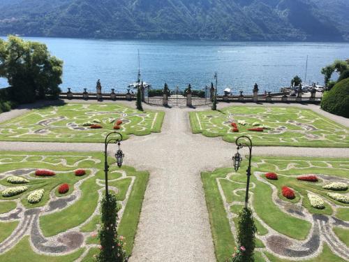 8---villa sola Italian-Garden
